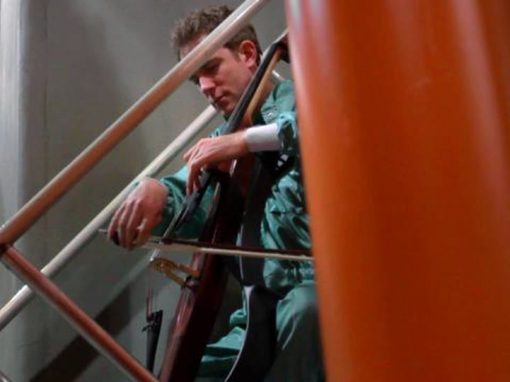 """Meeting Magnetars"" Johannes Moser premieres Enrico Chapela's Electric-Cello-Concerto"